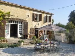Holiday Home Le Tapis, Le Tapis, 16330, Montignac-Charente