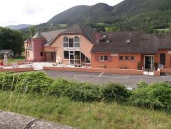 Hôtel Restaurant Les 2 Vallées, RN 106, 48000, Saint-Bauzile