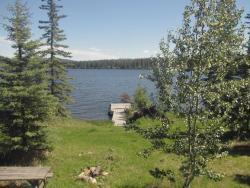 Pine Point Resort, 2073 Willys Creek Rd., V0L 1R0, Nimpo Lake