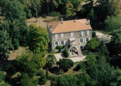Manoir Angle, 5 Impasse Du Chateau, 17470, Blanzay-sur-Boutonne