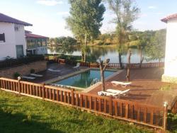 SPA Hotel Romantika, The main road to Greece, 8 km. to Makaza border checkpoint , 6884, Kirkovo