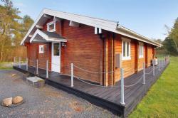 Three-Bedroom Holiday Home Birkedalsvej 03,  9300, Nordost