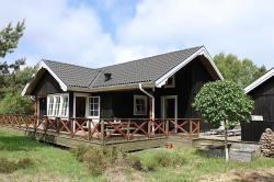 Three-Bedroom Holiday Home Blåtopvej with a Sauna 01,  9940, Vesterø Havn