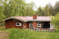 Three-Bedroom Holiday Home Skovsangervej with a Sauna 07,  3730, Spidsegård