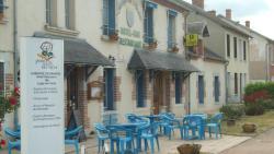 Auberge Les Muriers, 24 rue du Bourg, 03340, La Ferté-Hauterive