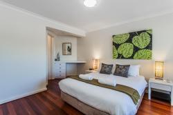 Cottesloe Seaview Apartment, 6 Eric Street, 6010, Perth