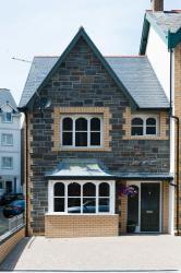 Maes Bach, 25 Bath Street, SY23 2NN, Aberystwyth