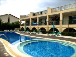 Grove Spa Resort Penthouse apt B28, Ayiou Constantinou & Elenis 7-8, 7577, Mazotos