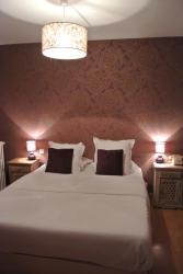 Hotel Le Central, 4 Rue Du Onze Novembre, 23600, Boussac