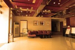 Huashan Jinsui Hotel, West 50m to intersection of Hua Shan Scenic zone of Hua Shan,Hua Yin City, 714200, Huayin