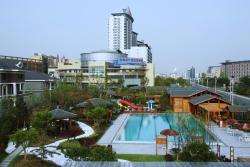 Ramada Plaza Wuxi, No. 589, Wuyun Road, Huishan District, 214174, Wuxi