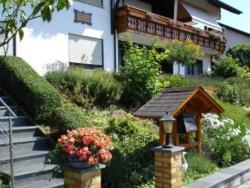 Ferienwohnungen Haus Bartmann, Unterer Bergweg 9, 64743, Finkenbach