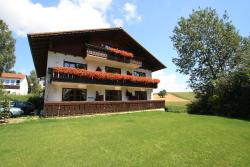 Ferienwohnungen Kirschner, Dorfplatz 3, 84364, Bad Birnbach