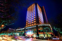 Jiuquan Longteng Hotel, No.25 East Ring South Road, the Suzhou District, 735000, Jiuquan