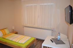 A & A Apartments, Bahnhofsplatz 16-18, 44629, Herne