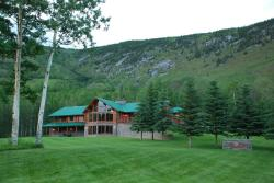 Stone Mountain Safaris Bed and Breakfast, Mile 428, Alaska Highway Lot 2031, V0C 2X0, Toad River
