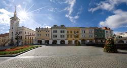Hotel a hostel U Zlatého kohouta, Velke namesti 21, 76701, Kroměříž