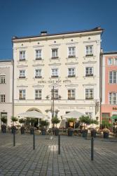 Hotel-Gasthof Höttl, Luitpoldplatz 22, 94469, Deggendorf