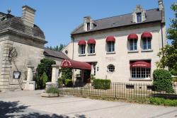 Hostellerie Le Griffon, 22 Place du Général Leclerc, 02300, Blérancourt
