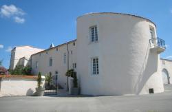 Hostellerie du Château de Charron, Route du Chateau, Château de Charron, 17230, Charron
