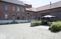 Hotel Het Leerhof, Hollebeekstraat 6, 9661, Parike