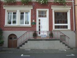 Ferienwohnung und Gästezimmer - Haus Budinger, Brückenstraße 7, 56859, Alf
