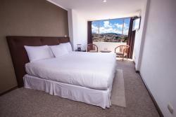 Hotel Presidente, Hermano Miguel, entre Bolivar y Gran Colombia, 010115, Cuenca