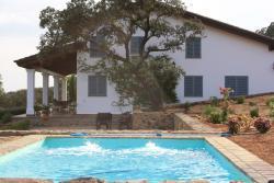 Casa Rural La Alcornocosa, Carretera Aznal Collar El Castillo Km 22,5, 41890, El Castillo de las Guardas