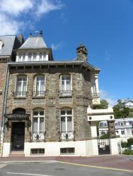 Maison Georges Dior, 15 Boulevard Hauteserve, 50400, Granville