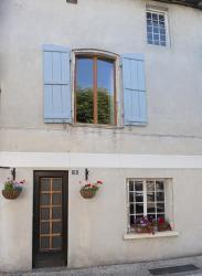 Maison De La Belle Vie, 16 Place Du Marché, 24340, Mareuil-sur-Belle