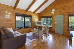 Cabin 11 @ Kangaroo Valley Resort & Golf, 11/390 Mt Scanzi Road, 2577, Kangaroo Valley