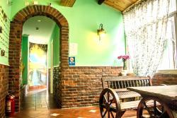 Candy Theme Inn, Near to the gate of Xizhan resort spot,No.376 Huanhe road, 314501, Tongxiang