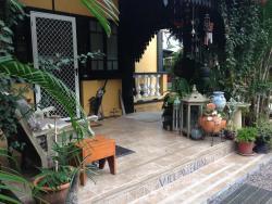 Villa Veron BnB, 34 Townsville Road, 4850, Ingham