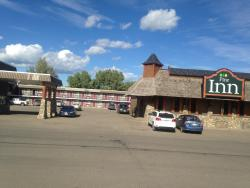 The Pine Inn, 5224 53rd Street, PO Box 686, V0C 1J0, Chetwynd