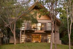 Victoria Falls Safari Suites, Stand 471 Squire Cummings Road,, Victoria Falls