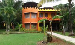 El Castillo Divertido, Playa Junquillal, San Cruz  (Junquillal Centro), 50301, Paraíso