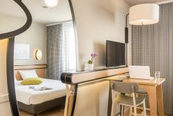 Aparthotel Adagio Access Paris Massy Gare, 2A Place de l'Union Européenne, 91300, Massy