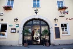 Hotel Restaurant Goldener Anker, Donaulände 27, 2410, Hainburg an der Donau