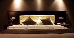 Creative Holiday Hotel, Building 15A No.4 JinghongMenghai Road, 666100, Jinghong