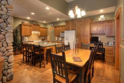 Treetops Ski Luxury Townhouse, 7640 Porcupine Road, V0H 1A0, Big White