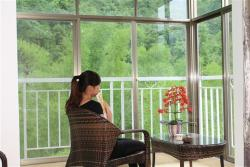 Shanshui Shishang Bama Bipoyuan Hotel, ZuLaTun,PoYue Village,JiaZhuan County,BaMa Xian, 547000, Bama