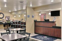 Cobblestone Inn & Suites - Linton, 100 Aspen Avenue, 58552, Linton