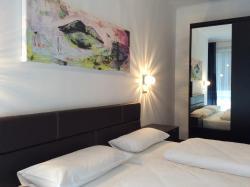 Hotel52 Bergheim, Kirchstraße 52-54, 50126, Bergheim