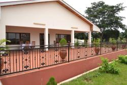 Precevid Rosewood Cottage, Behind Ramseyer vocational Intitute, chirapatre, off the Lake Road, kumasi,, Jinyasi
