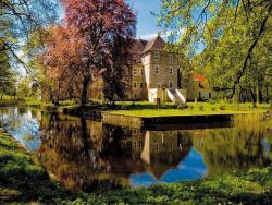 Hotel Wasserschloss Mellenthin, Dorfstr. 25, 17429, Mellenthin
