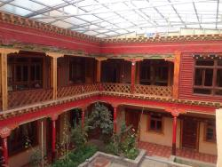 Xinzhai Family Hostel, No.75, Daguo Alley, Mani, 815000, Yushu