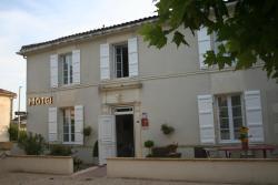 Hôtel Le Relais, 1 Place de l'Eglise, 17520, Jarnac-Champagne