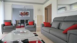 Little Suite - Cascade, 329 Rue Verte, 59170, Croix