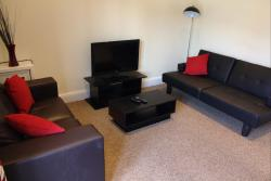 Chester Road W. Serviced Apartment, 60A Chester Road West, CH5 1BY, Shotton