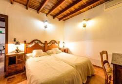 Six-Bedroom Holiday Home in Sant Antoni de Portmany / San Antonio with Garden, Poligono Poligon 3. 4 92, 7820, Santa Gertrudis de Fruitera